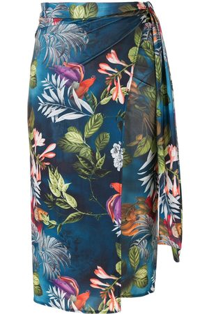 Lygia & Nanny Orixá print beach skirt