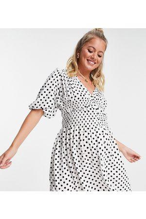 ASOS Damen Bedruckte Kleider - ASOS DESIGN Maternity shirred mini tea dress in mono spot print-Multi