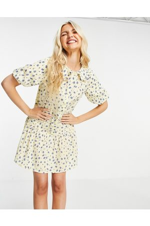 Influence Mini dress with collar in yellow floral print-Multi