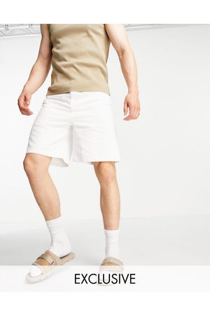 COLLUSION Extreme 90s baggy shorts in white