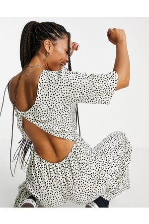 ASOS Damen Jumpsuits - Twist back tea jumpsuit in textured mono spot-Multi