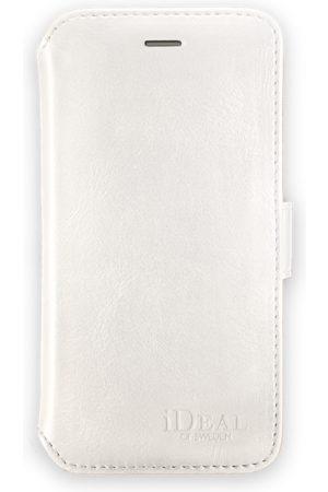 Ideal of sweden Slim Magnet Wallet iPhone 8 White