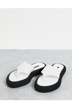 Topshop Pia leather toe post sandal in white