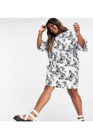 Urban Threads Damen Freizeitkleider - Urban Threads Plus butterfly print t-shirt dress-White