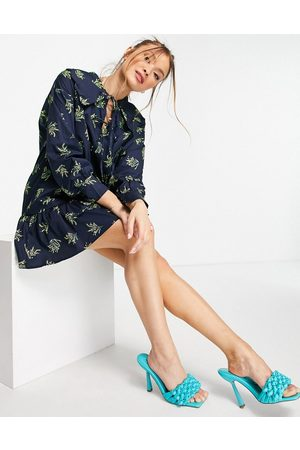 Glamorous Mini smock dress with exaggerated collar in botanical print-Navy