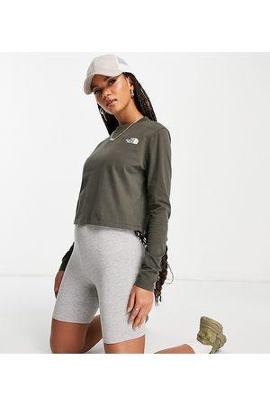 The North Face Damen Lange Ärmel - Cropped long sleeve t-shirt in khaki Exclusive at ASOS-Green