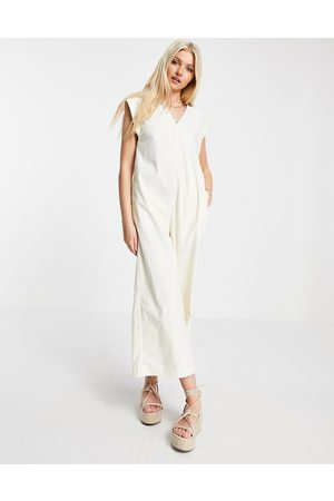 Urban Revivo Cap sleeve jumpsuit in off white