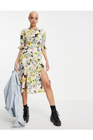 Influence Split front tea dress with open back in bold floral print-Multi