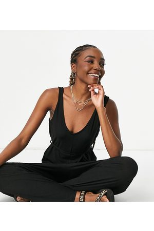 ASOS Damen Jumpsuits - ASOS DESIGN Maternity mix & match lounge super soft rib jumpsuit with waist tie in black