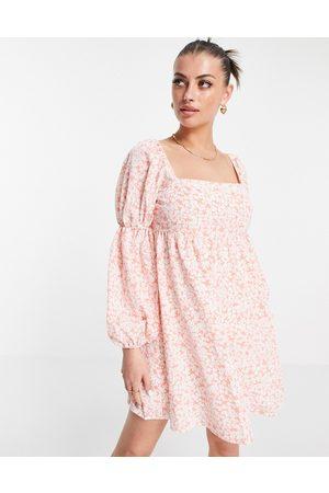 Fashion Union Damen Freizeitkleider - Mini volume smock dress with puff sleeves in pink floral