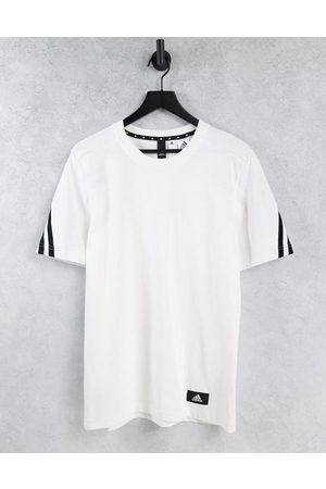 adidas Adidas Training t-shirt with patch logo in white