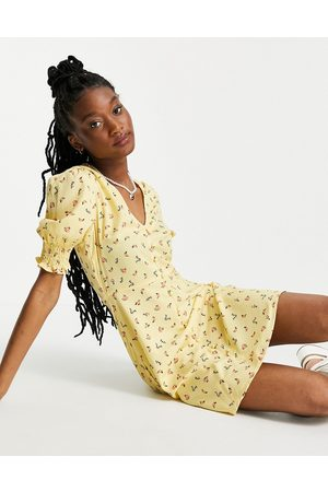Influence Tea dress in yellow floral