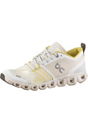ON Cloud X Shift Sneaker Damen