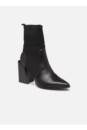 Steve Madden TACKLE by