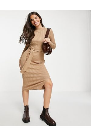 New Look Ribbed long midi dress in camel-Neutral