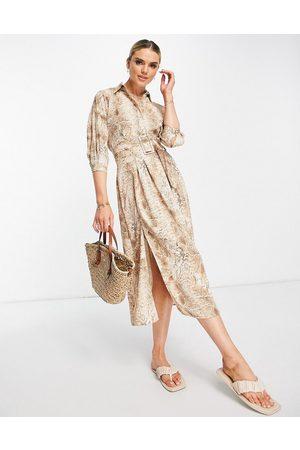 River Island Damen Lange Ärmel - Long sleeve snake midi shirt dress in brown