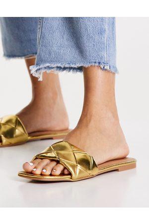 ASOS DESIGN Damen Sandalen - Forty woven flat sandals in