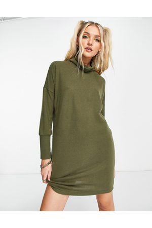 Noisy May Damen Freizeitkleider - Knitted mini roll neck jumper dress in khaki-Green