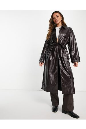ASOS DESIGN Damen Lederjacken - Crinkle faux leather trench coat in oxblood-Red