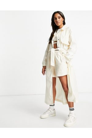 adidas Originals Damen Trenchcoats - Adiolor trench coat jacket in oatmeal-Neutral