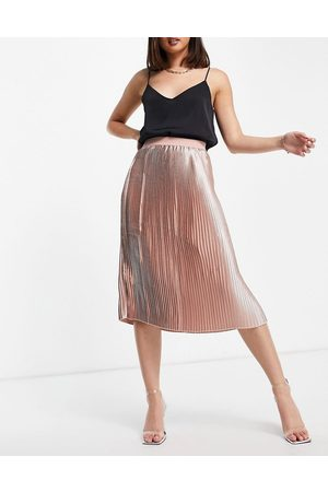 NA-KD High shine pleated skirt in pink