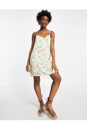AMERICAN EAGLE Floral printed slip dress in cream-White