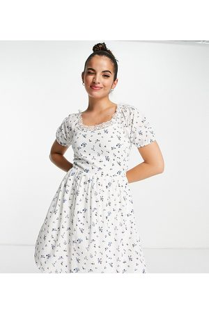 daisy street Mini milkmaid dress in vintage floral-White