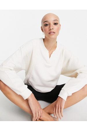 Nike Damen Sweatshirtjacken - Nike Yoga Luxe waffle cover up sweat in off white