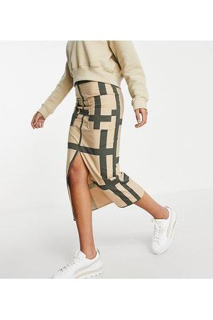 ASOS Tall ASOS DESIGN Tall midi skirt with split hem and pocket detail in abstract print-Multi
