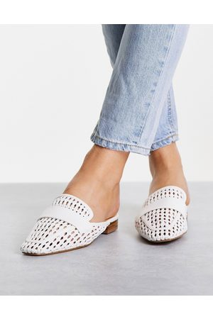Schuh Latoya woven backless mules in white