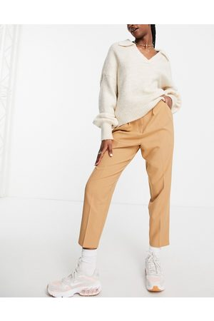 ASOS DESIGN Smart tapered trouser in camel-Neutral