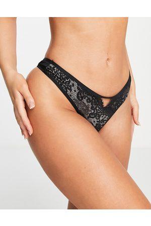 Hunkemoller Cardi lace thong in black