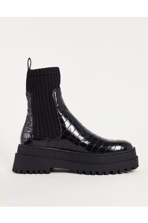 London Rebel Chunky chelsea calf boots in black
