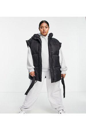 ASOS ASOS DESIGN Curve belted gilet puffer jacket in black