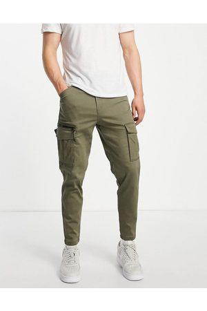 JACK & JONES Intelligence carrot fit cargo trousers in khaki-Green