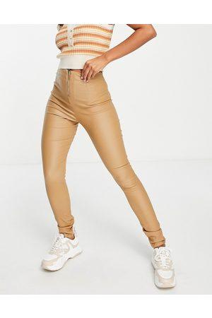 VILA Coated leggings with zip back in camel-Brown