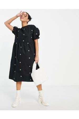 Native Youth Puff sleeve midi smock dress with contrast mushroom embroidery-Black