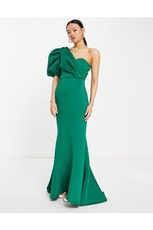 Jarlo Damen Asymmetrische Kleider - Genevieve maxi dress with asymmetric puff sleeve in emerald green
