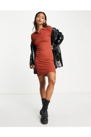 Gianni Feraud Knitted polo jumper dress in rust-Red